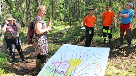 Metsäkeskuksen tehtävänä on edistää kestävää metsätaloutta ja alan elinkeinoja sekä neuvoa metsänomistajia metsien ja metsäluonnon hoidossa ja hyödyntämisessä. Kesäkuussa 2020 perehdyttiin metsän jatkuvaan kasvatukseen.