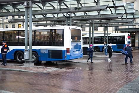 Ratikkaliikenteen käynnistyminen vaatii Nysse-liikenteen lippuvalikoiman ja maksutapojen uudistamista.