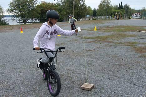 Marttilan koulun kuudesluokkalaiselle Teemu Vuorisalolle ajoharjoittelurata oli helppo homma.