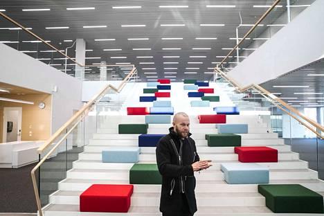 Uusi pääkirjasto on Pohjola Rakennus oy:n rakennusjohtajan Erkki Ikosen lempipaikka.