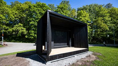 Tältä Tampereen Eteläpuiston Kesärannan uusi esiintymislava näytti tiistaina 1. kesäkuuta ollessaan viimeistelyä vaille valmis.