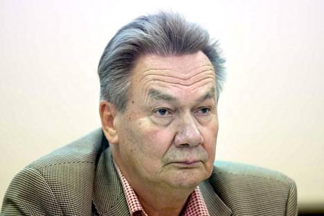 Valkeakosken kaupunginhallituksen puheenjohtaja Pekka Järvinen sanoo, että kyse on sovittujen pelisääntöjen noudattamisesta.