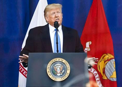 Yhdysvaltojen presidenttiä Donald Trumpia koskevaa virkarikostutkintaa voi seurata televisiosta keskiviikosta alkaen.