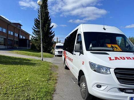 Sastamalan sivistyslautakunta puuttui koulukyytiongelmiin irtisanomalla sopimukset Tuomi Logistiikan kanssa.