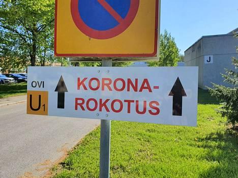 Koronarokotukset on taas Valkeakoskella keskitetty Särpimäenkadun varteen vanhan vuodeosaston ykköskerrokseen.