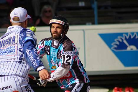 Ville Hotakainen löi kaksi juoksua Manse PP:lle sunnuntaina.