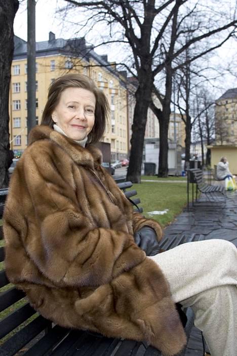 Tiina Rinne Helsingin Karhupuistossa 2004.