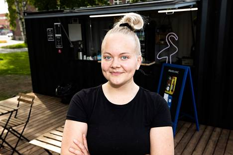 Anna Lundberg opiskelee nyt yrittäjyyttä sekä Proakatemiassa että käytännössä.