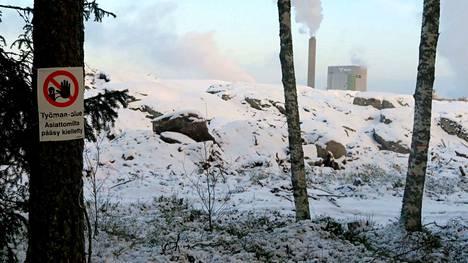Maanpäänniemen työmaa-alueen reunaa vuoden 2019 alussa.