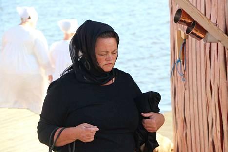 Iloittelua ja surua. Katja Rinne tekee moniulotteisen roolin Ernin äitinä.