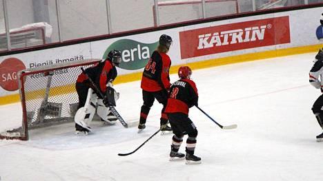 Koillis-Pirkan Kiekko voitti kauden ensimmäisessä kotipelissään tamperelaisen HiHon.