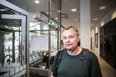 Marko Helin halusi antaa äänensä eurovaaleissa ennakkoon, koska hän on varsinaisena vaalipäivänä ulkomaan matkalla.