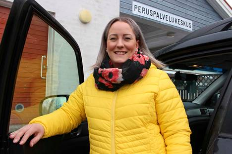 Kansanedustajaehdokas Tiina Klemelä-Ruohomäki työskentelee kolmena päivän viikossa Siikaisten terveysasemalla.