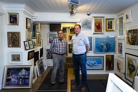 Petri Nieminen (oik.) on pitänyt taidekauppaa ja kehystämöä Art Pispala Rauno Viinikan remontoimassa rakennuksessa vuodesta 2004.