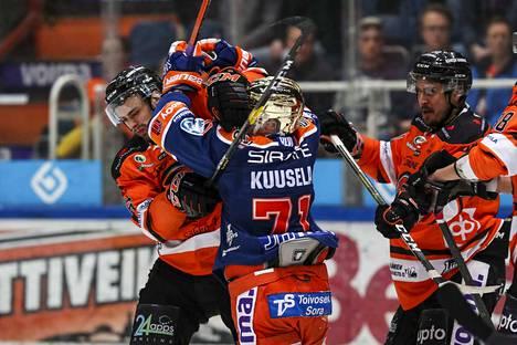 Kristian Kuusela on joutunut kannattelemaan liikaa Tapparaa.