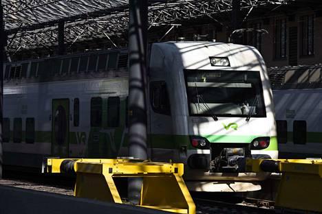 Mies työnnettiin junan alle Pasilan asemalla. Kuvituskuva ei liity tapaukseen.