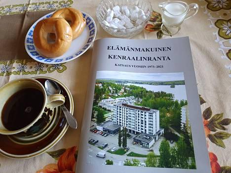 Kenraalinrannasta kertovan teoksen kansikuvan on ottanut Kiinteistömaailmalle Tommi Käppi. Tämän jutun kirjoittaja tutustui kirjaseen oman nostalgiakattauksensa ääressä.