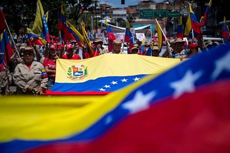 Arvioiden mukaan jopa neljä miljoonaa venezuelalaista on paennut kotimaastaan. Suurin osa suuntaa naapurimaihin.