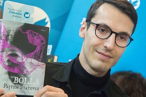 Kirjailija Pajtim Statovci on saavuttanut teoksillaan kansainvälistä menestystä jo alle 30-vuotiaana. Keskiviikkona palkintokaappiin tuli vielä Suomen merkittävin kirjallisuuspalkinto, Finlandia.