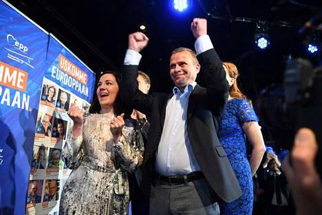 Kokoomus ja puheenjohtaja Petteri Orpo ovat odotetusti Suomen suosituin puolue eurovaaleissa ennakkoäänten perusteella.