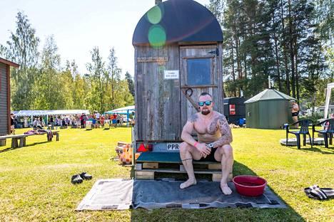 Ville Kerviselle nämä olivat jo ainakin kolmannet saunafestivaalit. Kervinen kertoi aikovansa käydä festivaalin kaikissa saunoissa.