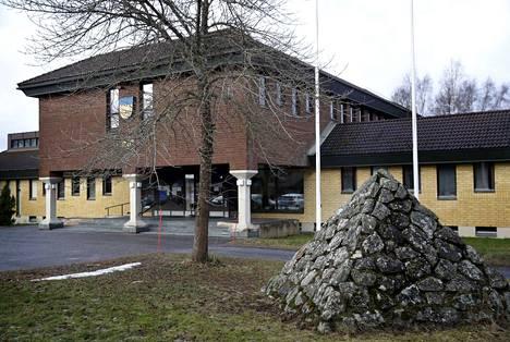 Pomarkun kunnanviraston valtuustosaliin on luvassa entistä väljempää. Arkistokuva.