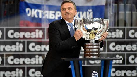 Kansainvälisen jääkiekkoliiton IIHF:n puheenjohtajan René Faselin toiminta on herättänyt kritiikkiä, mutta hänen aikanaan laji on myös ottanut isoja edistysaskeleita.