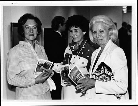 Anita Hallama, Satu Tiivola ja Kyllikki Forssell kuvattuna vuonna 1985.