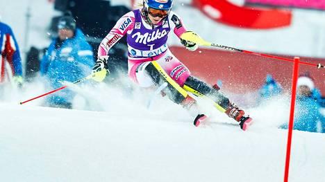 Mikaela Shiffrin on alppihiihtomaailman suurimpia tähtiä. Kuva vuodelta 2016 Levin maailmancupista.