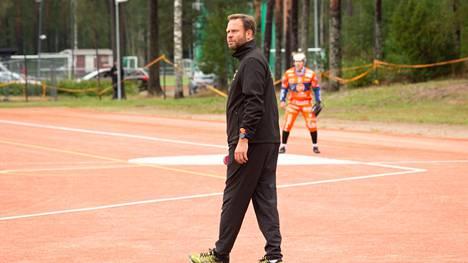 Pelinjohtaja Mika Kulmala jatkaa Kankaanpään Mailan viuhkan varressa myös ensi kaudella.