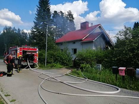 Mänttä-Vilppulassa oli rakennuspalo, joka alkoi räjähdyksenomaisesti.