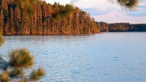 Mallinkaistenjärven ranta-asemakaavoituksen tavoite on mahdollistaa lomarakennuspaikkojen sijoittaminen suunnittelualueen pohjoisosaan.