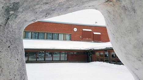 Keuruun Kivelän koulun viidesluokkalaiset on määrätty karanteeniin 8.–16. helmikuuta, koska yksi luokan oppilaista on saanut koronatartunnan.