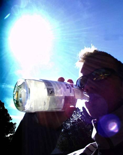 Asetaldehydi aiheuttaa humalassa euforian tunnetta, mutta aiheuttaa myös suuren osan krapulan oireista.
