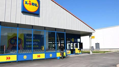 Turengissa näpistelyt ovat lisääntyneet muun muassa Tokmannilla ja K-Supermarketissa. Lidlissä sen sijaan kasvupiikkiä ei ole huomattu.