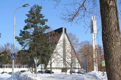 Kirjoittajan mielestä Sääksmäen seurakunnan talousarvioon on otettu turhaan määräraha Valkeakosken kirkon purkamiseen, sillä purkupäätös ei ole vielä lainvoimainen.