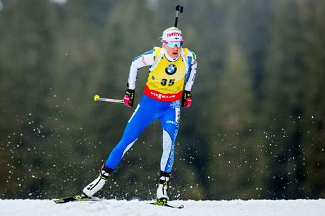 Kaisa Mäkäräinen jahtaa kauden ensimmäistä maailmancupin voittoaan.