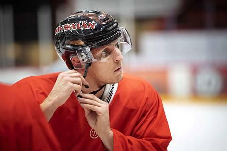 Viime kaudella Lauri Tukonen pelasi muun muassa Ässissä.