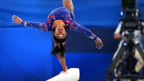 Simone Biles ei osallistu telinevoimistelun neliotteluun.