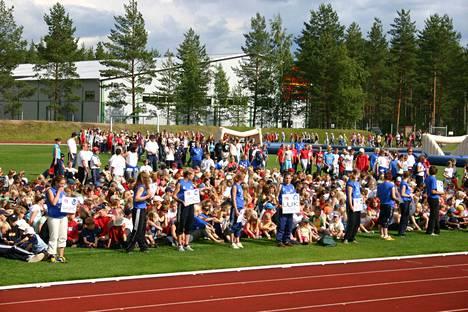 Pitkis-Sport on Kokemäen heinäkuun ikiliikuttaja. Kuva vuoden 2004 avajaisista.