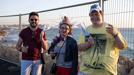 Englantilainen Alistair Brown, tanskalainen Kata Nielsen ja hollantilainen Pascal Rissewijck ovat tutustuneet Euroviisujen kautta, ja matkustavat yhdessä viisuihin joka vuosi. San Marino on yksi heidän suosikkimaistaan.