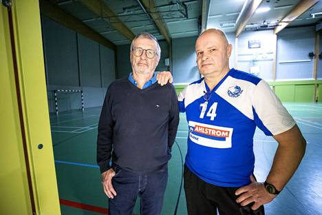 Leif Blomqvist ja Juha Sainio Euran urheilutalolla helmikuussa 2021.