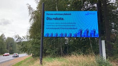 Valotauluissa Nokialla pyörii parin viikon ajan rokotteisiin liittyviä mainoslauseita
