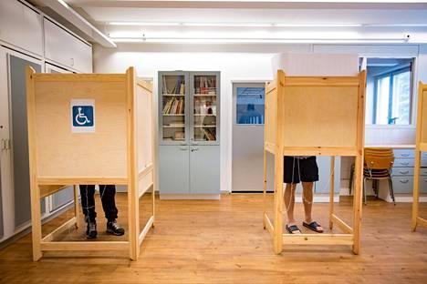 Kokoomus olisi Kuntaliiton laskelman mukaan tammikuussa järjestettävien aluevaalien suurin puolue paikkaosuuksilla laskettuna.