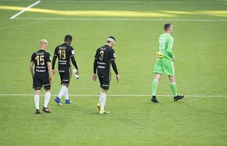 SJK on usein joutunut marssimaan kentältä pois HJK:ta vastaan pelatun pelin jälkeen pää allapäin.