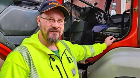 Ari Eloranta on toiminut koneurakoitsijana lähes kolme vuosikymmentä. Koneurakointi Eloranta Oy:n hän perusti kesällä 2011.