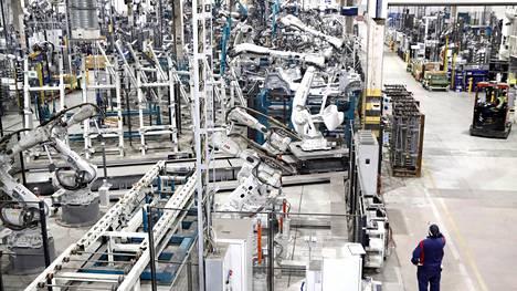 Valmet Automotiven tehtaassa Uudessakaupungissa valmistetaan nykyisin Mercedes Benz -henkilöautoja.
