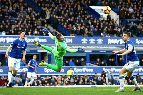 Evertonin maalivahti Jordan Pickford on onnistunut pitämään maalinsa puhtaana Valioliigan kärkijoukkueita vastaan.