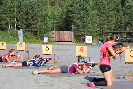 Eniten osallistujia oli nuorten naisten sarjassa 3 kilometrin radalla.