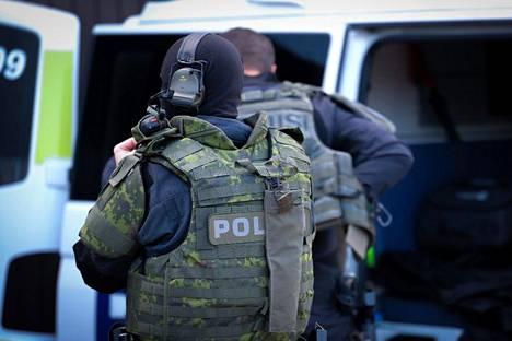 Poliisilla oli maanantaina 7.6. useita operaatioita eri poliisilaitosten alueella liittyen kansainväliseen yhteisoperaatioon. Kuva otettu juuri ennen operaation alkua.